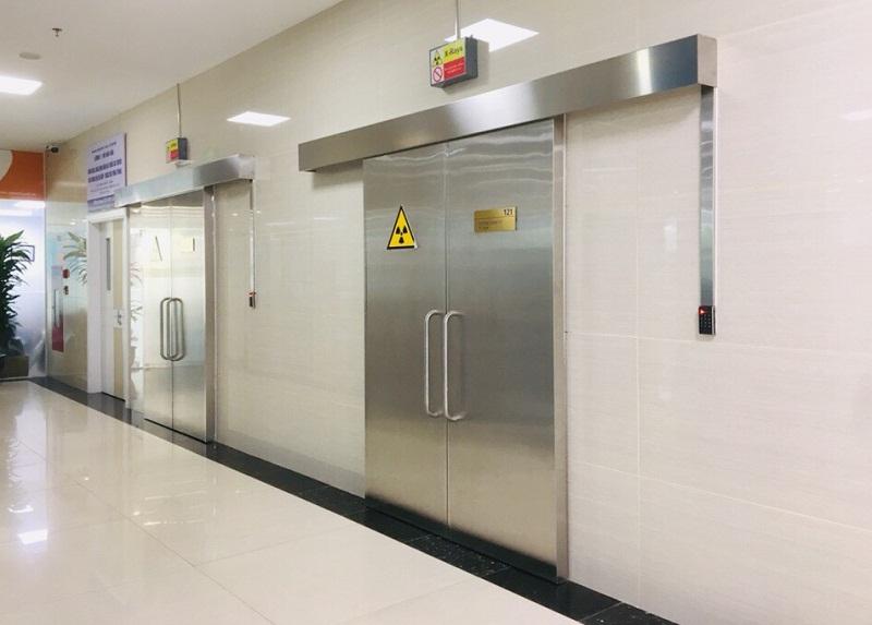 Cửa bệnh viện NABCO do Nhật Bản sản xuất